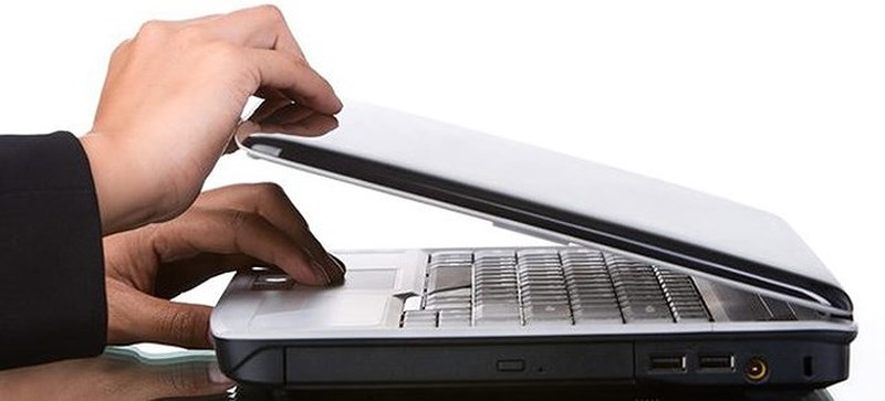 cach-xu-ly-khi-man-hinh-laptop-bi-loi-tai-nha-6