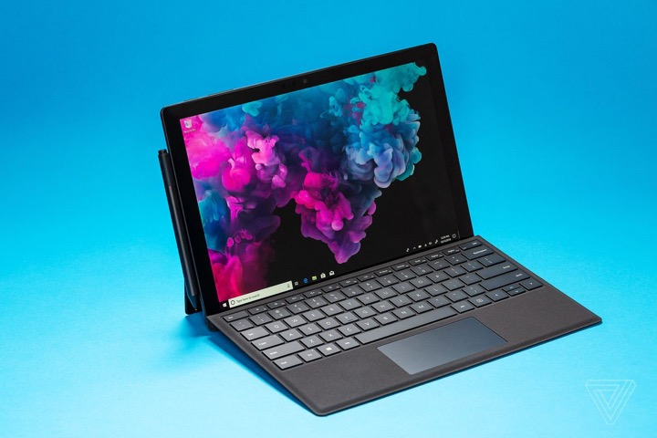 surface-bi-giam-hieu-nang-vi-nang-cap-windows-microsoft-noi-gi