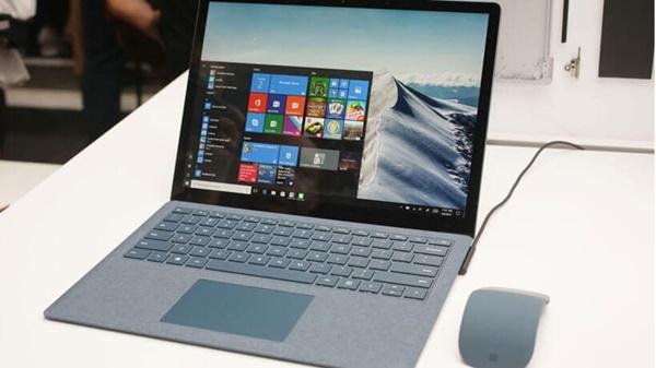 mua-cac-dong-surface-laptop-chinh-hang-nen-den-dau-tai-sai-gon3